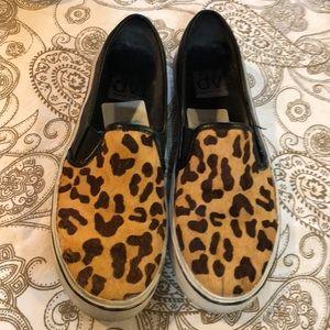 Dolce vita size 6.5 cheetah print fur slide shoes